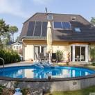Terrassenansicht mit Pool