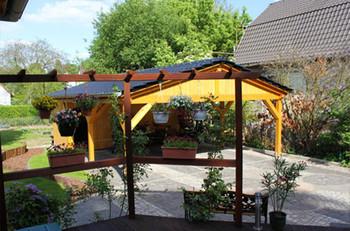 Gartenansicht Verkaufsbüro Schulzendorf